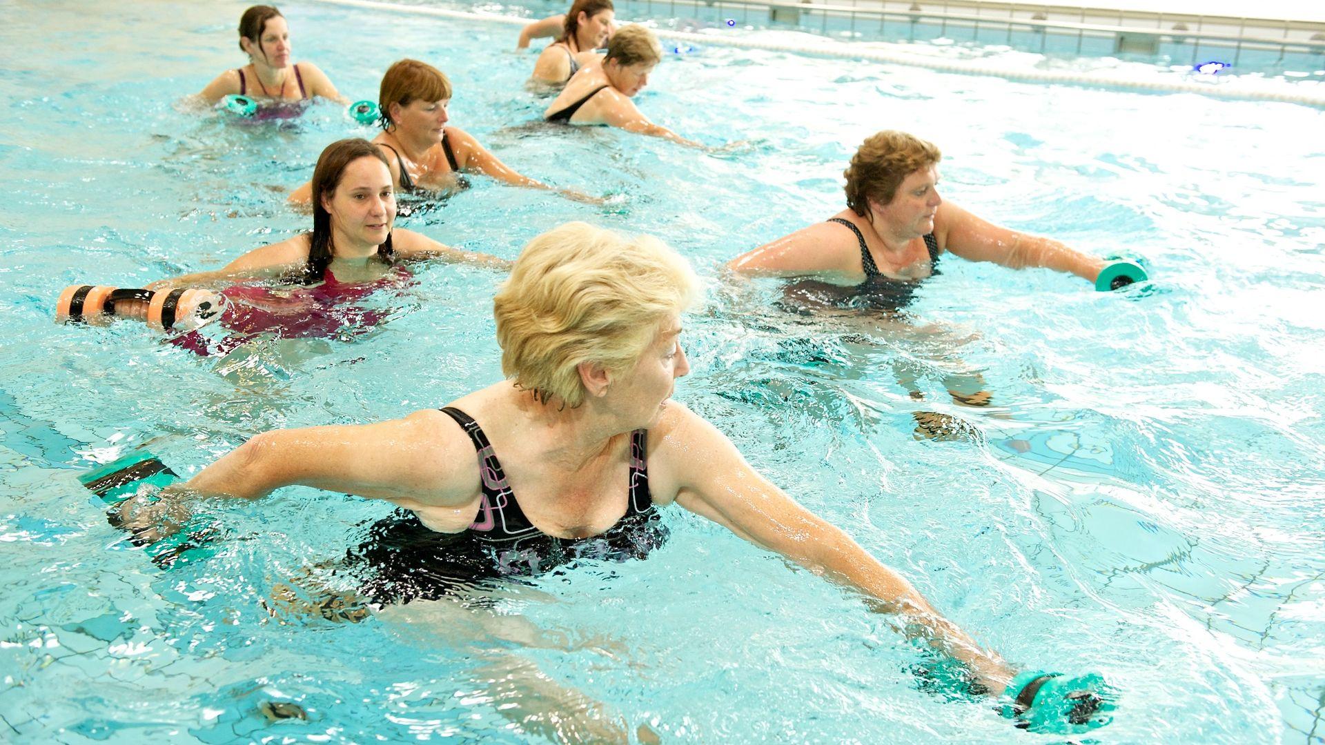 Nieuw Aquarobics lessen en oefeningen | Club Pellikaan - Club Pellikaan XS-93